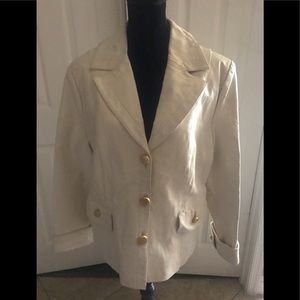 Large Ivory 100% leather blazer with discoloration